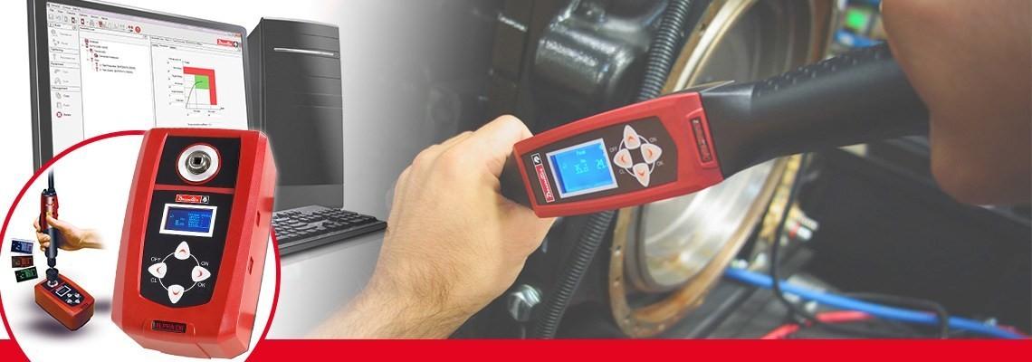 El probador digital para torque Alpha diseñado por herramientas industriales Desoutter permite monitorear y recolectar los resultados de torque obtenidos por atornilladores y torquímetros.